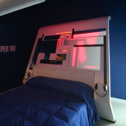 camere d'arte / Camera Vhs testata letto